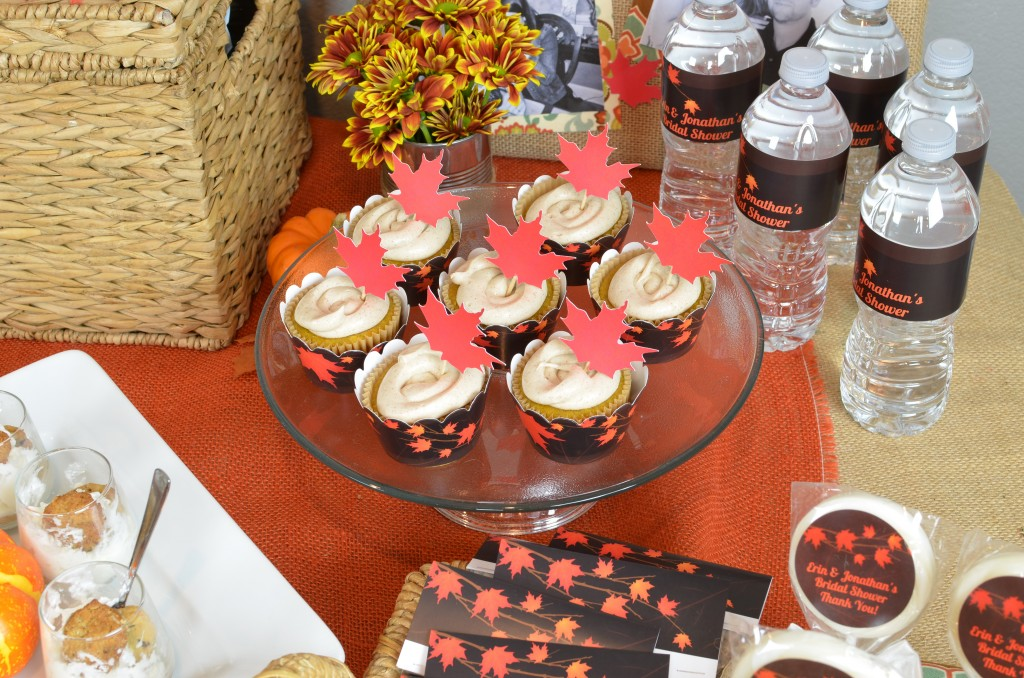 Fall In Love - Cupcake Display