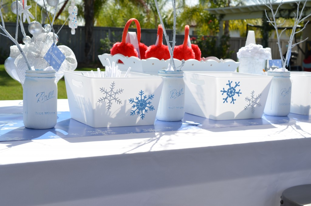 Snowflake Party - Table Setting