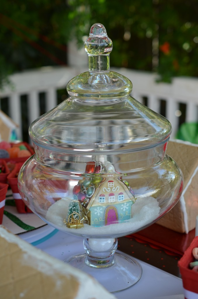 gingerbread party - apothecary centerpiece with house ornament
