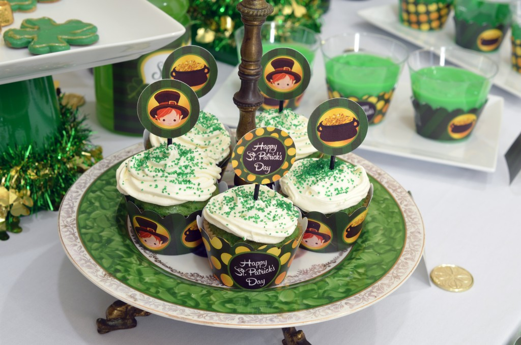 st patricks day printable cupcake display