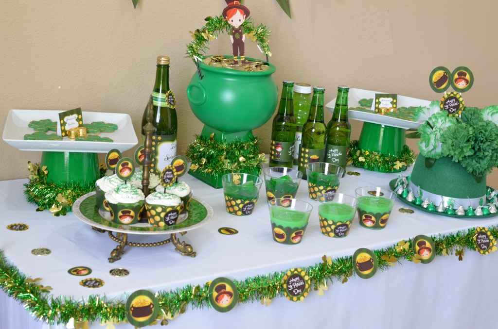 st patricks day printable side view of table  copy