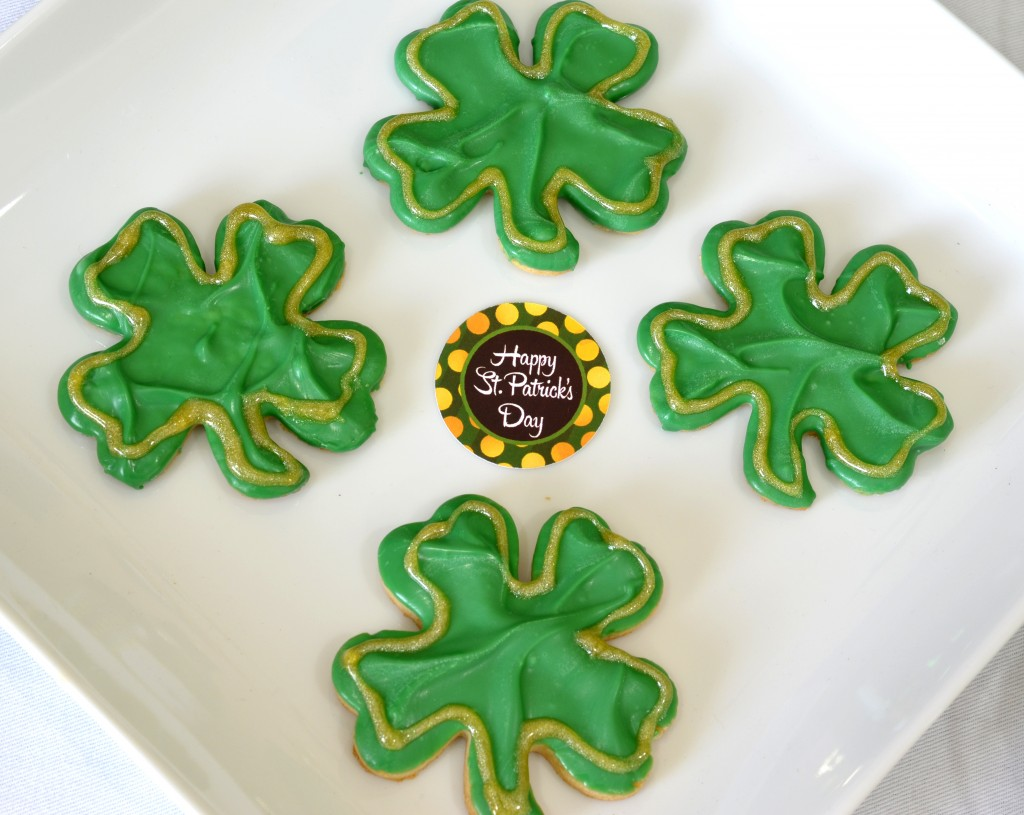 st patricks printable set shamrock cookie detail