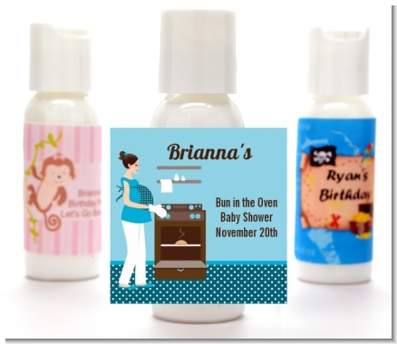 Bun in the Oven Boy - Personalized Baby Shower Lotion Favors